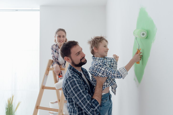 Tips for Decorating with your Kids