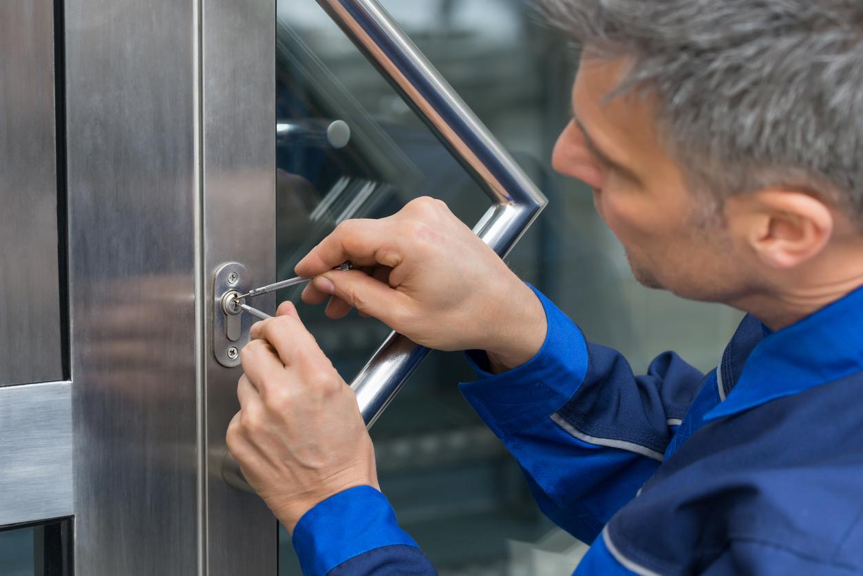 Changing Locks? Make Sure Your Locksmith Is Licensed