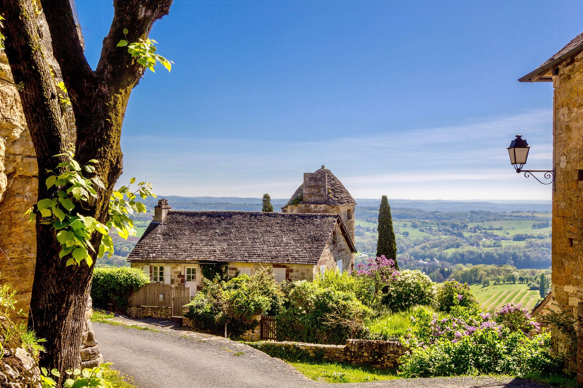A city home or country retreat? Here's how to decide between them