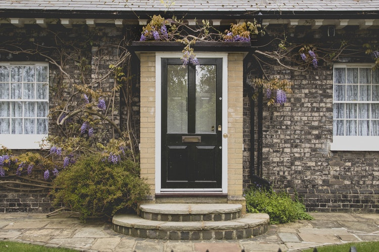 Easy Ways To Add Visual Impact To The Outside Of Your Home