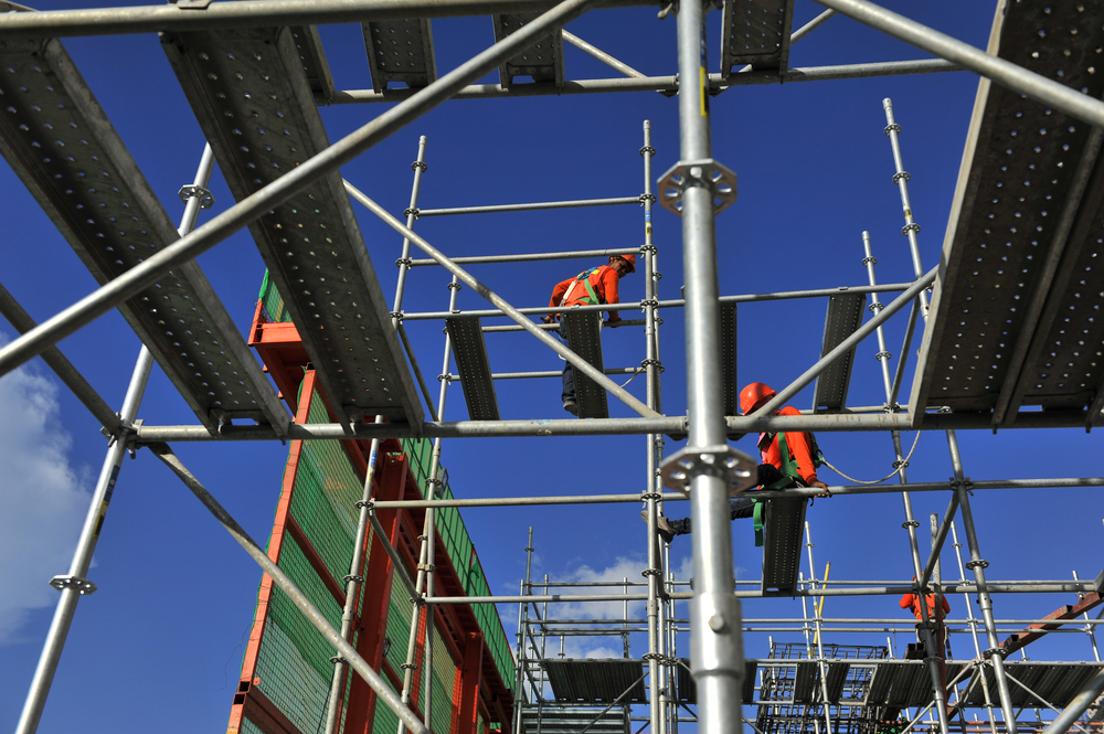 What is the Difference Between Scaffolding and Formwork?