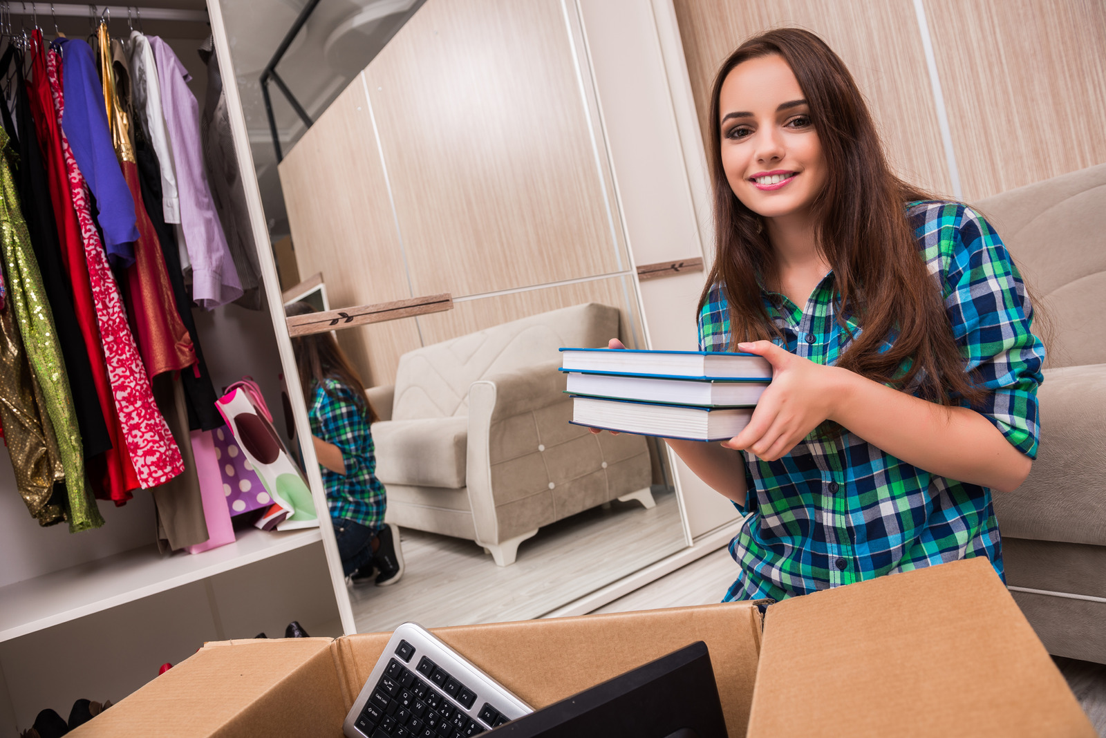 5 Pros and Cons of Buying a Property for a College Student