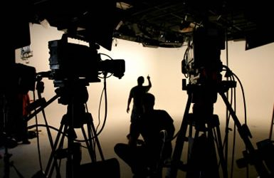 5 Reasons to Invest in the Entertainment Industry